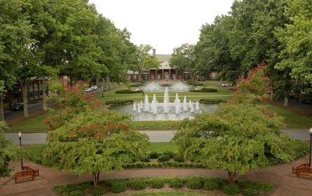 College-photo_1977._445x280-zmm